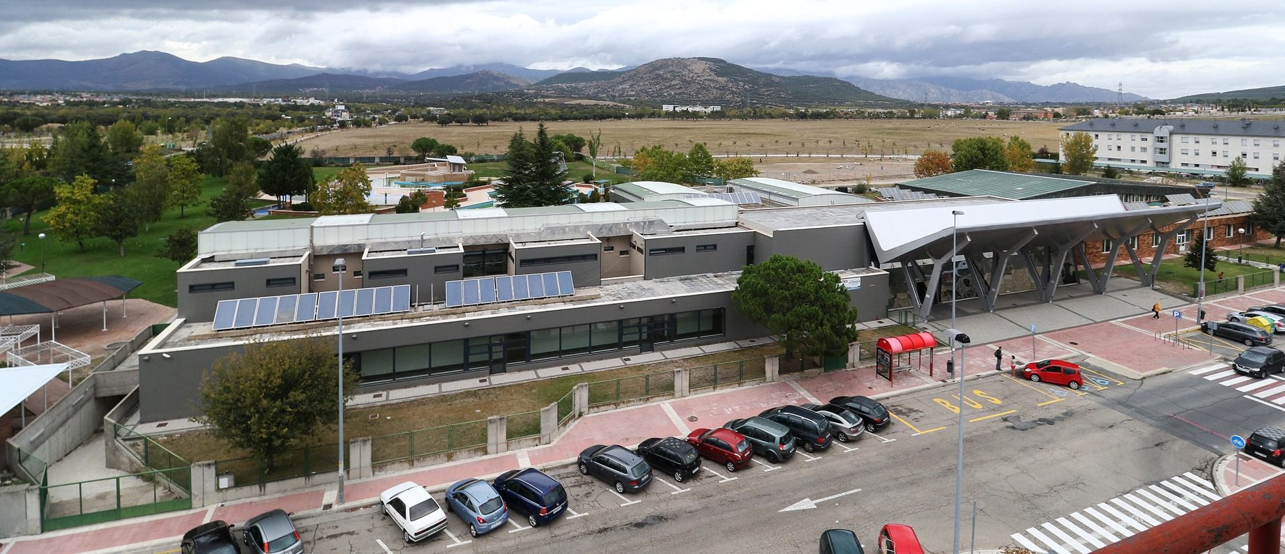El spa municipal de collado villalba cerrado for Piscina municipal moralzarzal