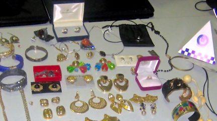 Monedas antiguas, portátiles y joyas, entre el botín capturado por la Policía Local de Galapagar