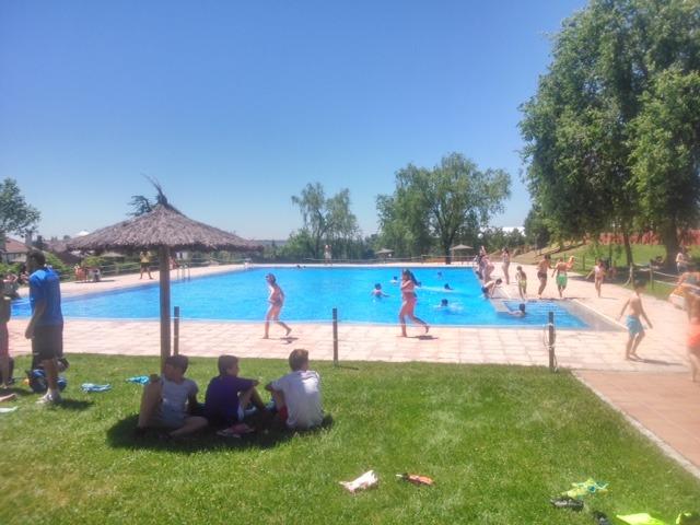 Cuanto cuesta llenar una piscina header image with cuanto for Cuanto cuesta instalar una piscina