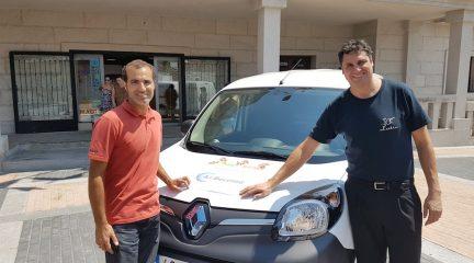 El Boalo impulsa un Mercado 2.0 que reparte los pedidos a domicilio con coches 100% eléctricos