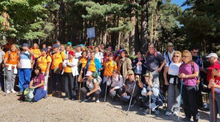 170 usuarios de centros ocupacionales para personas con discapacidad intelectual han participado en una marcha de 8 kilómetros en la Fuenfría