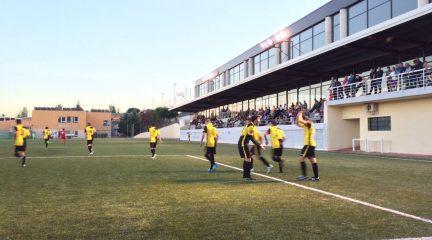 El CD Galapagar logra su cuarta victoria consecutiva y ya es líder de su grupo en Primera Regional, donde también ganaron Atlético Villalba y Torrelodones