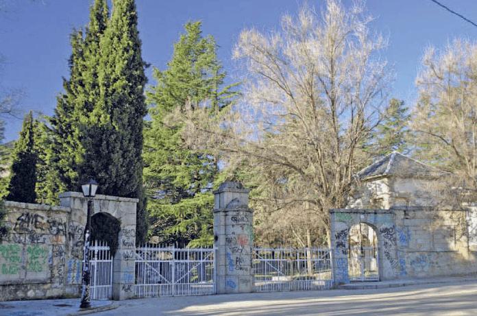 Entrada principal al Sanatorio de Marina.