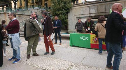 Vox presenta candidaturas en todos los municipios de la Sierra, con nombres como Marta Cebrián en San Lorenzo o Enrique Álvarez en Guadarrama