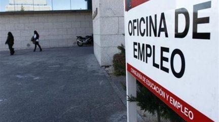 El verano empieza con bajadas generalizadas del paro en los municipios de la Sierra