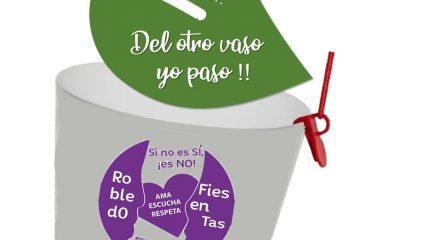 Robledo reparte entre las peñas 2.500 vasos reutilizables para conseguir unas fiestas sin plásticos de un solo uso