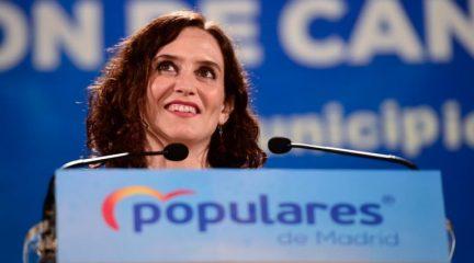 La popular Isabel Díaz Ayuso, investida presidenta en Madrid tras ratificar su pacto con Cs y Vox