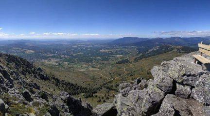 El camino de Blanca hacia La Peñota: una sencilla excursión por el GR-10 hasta la montaña de cuatro picos que domina Los Molinos