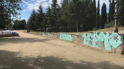 El Escorial pone en marcha una nueva campaña de limpieza de graffitis