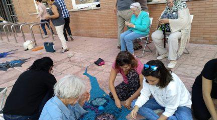 Tejiendo Colmenarejo: lanas, agujas y ganchillos para crear redes comunitarias
