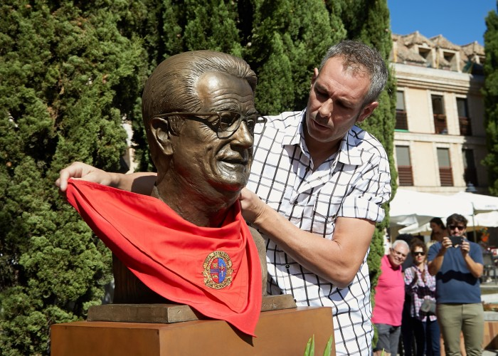 Homenaje al Padre Carlos Las Rozas
