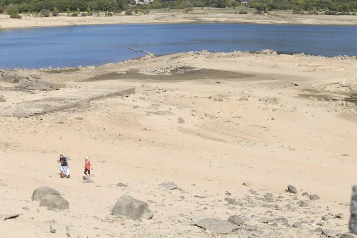 embalse navacerrada seco
