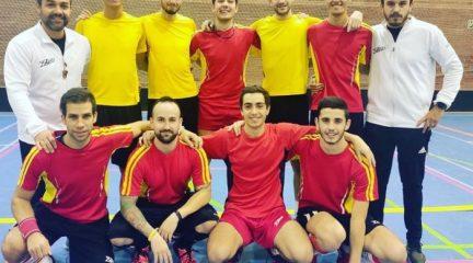 La selección española de Floorball inicia su camino al Mundial entrenando en Guadarrama con 16 integrantes de El Escorial y el Fénix San Lorenzo