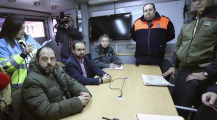 Decenas de efectivos de emergencias participan en el simulacro por rotura de la presa de La Jarosa, en Guadarrama