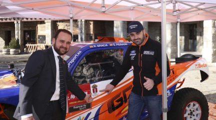 Rubén Gracia presenta en Guadarrama el equipo con el que participará en el Dakar 2020