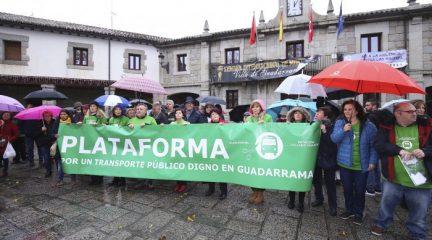 La Plataforma por un Transporte Digno en Guadarrama se reúne con responsables del Consorcio tras la concentración del domingo