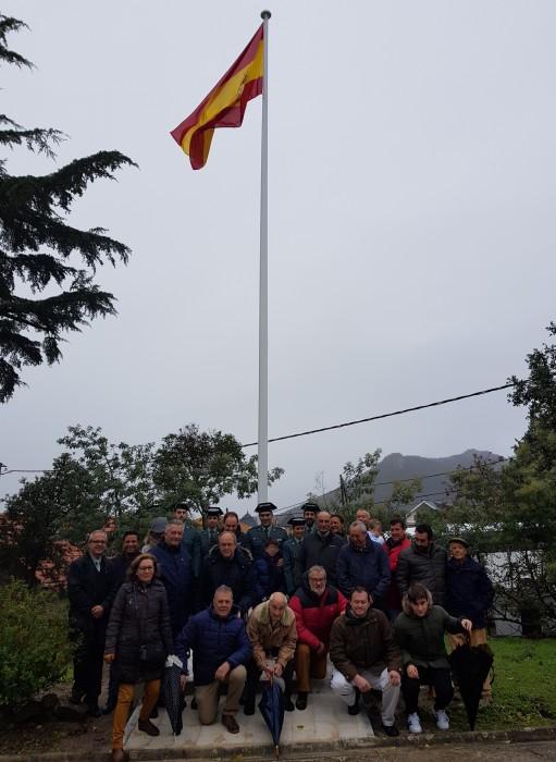 bandera cuartel guardia civil hoyo de manazanares