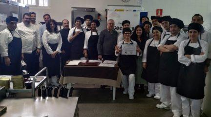 Un concurso de pinchos da paso a la fase práctica en el curso profesional de cocina en Guadarrama