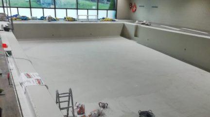 La instalación de la deshumectadora, paso definitivo para el arreglo de la piscina cubierta de Valdemorillo