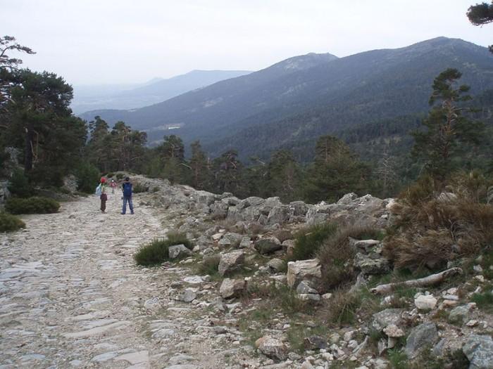 calzada romana y valle fuenfria cercedilla