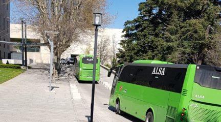 Otros 15 pacientes leves de coronavirus del Hospital El Escorial son trasladados al Eurofórum Infantes de San Lorenzo