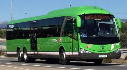 Larrea reduce los horarios de los autobuses en la mayoría de sus líneas en la Sierra