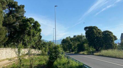 Nueva iluminación en el acceso a San Lorenzo de El Escorial por la M-600 y la senda peatonal hasta la urbanización Felipe II