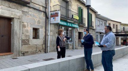El Ayuntamiento de Robledo reparte mascarillas y geles en los comercios locales