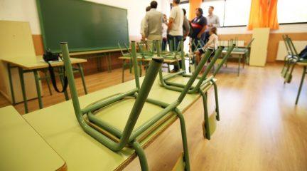 La planificación educativa contempla la supresión de grupos en 34 centros de la DAT Oeste