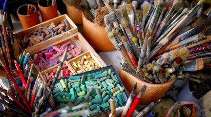 La Casa de Cultura de San Lorenzo ofrece talleres de artes plásticas para niños y adultos durante el verano