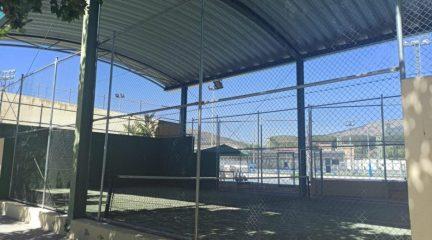 Nuevas mejoras en el polideportivo de El Escorial: sustitución del tatami e instalación de lonas en las pistas de pádel