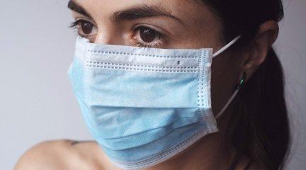 """""""Enmascara2"""": campaña en Collado Villalba para concienciar a los jóvenes sobre el uso de la mascarilla"""