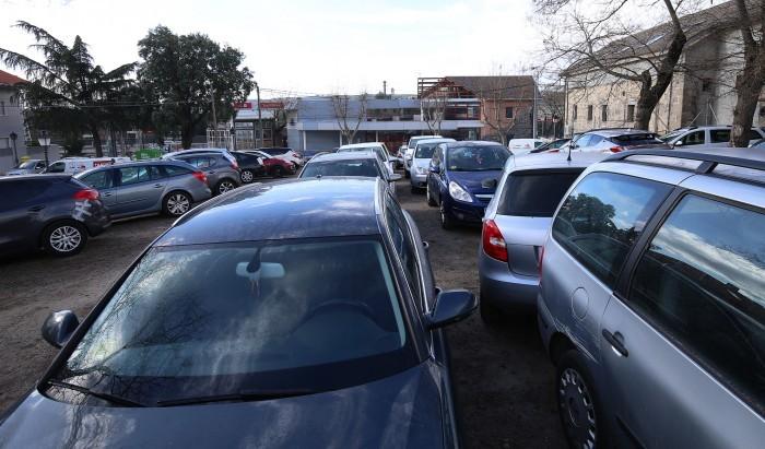 aparcamiento estacion tren torrelodones