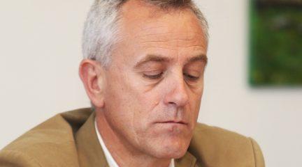 Un juzgado reabre la investigación contra el ex alcalde de Hoyo de Manzanares, José Ramón Regueiras, por presunta prevaricación urbanística