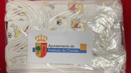 Robledo de Chavela reparte un pack de 10 mascarillas a todos los escolares de la localidad