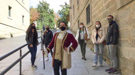 San Lorenzo firma un convenio con la Asociación DeVerde para la promoción turística mediante visitas teatralizadas gratuitas