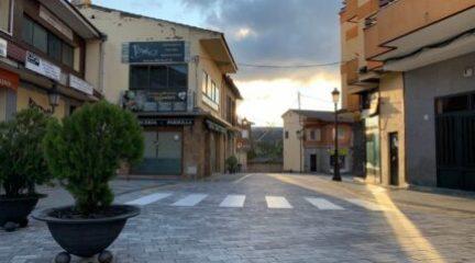La calle Real de Alpedrete permanecerá cerrada al tráfico los fines de semana