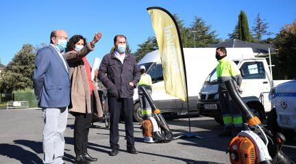 El Escorial implanta un servicio de limpieza exclusivo para los vecinos de los Arroyos y Las Suertes