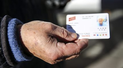 El abono transporte anual será gratuito para todos los mayores de Las Rozas