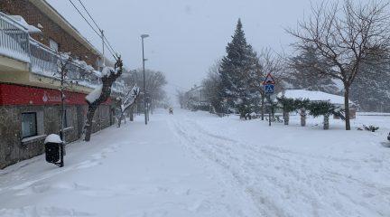 Un hombre de 54 años muere sepultado bajo la nieve en Zarzalejo