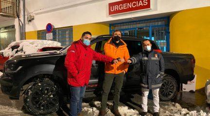 Ford y el pentacampeón de rallyes Rubén Gracia se unen al traslado de personal sanitario en Guadarrama