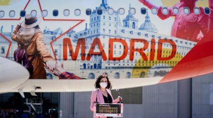 El Monasterio de San Lorenzo de El Escorial, principal reclamo en el Airbus de Iberia vinilado para la promoción turística de Madrid