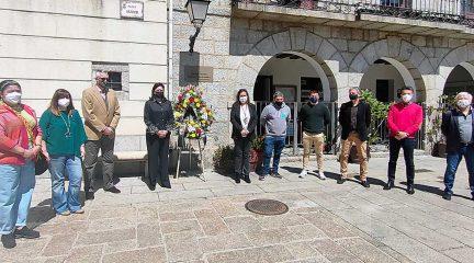 Instalada en Collado Mediano una placa de homenaje a las víctimas de la Covid-19