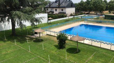 La piscina municipal de El Escorial abre este sábado 12 de junio, con limitación de aforo y acceso con cita previa