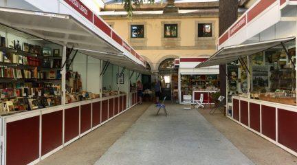 San Lorenzo de El Escorial vuelve a celebrar hasta el 15 de agosto su Feria del Libro Antiguo y de Ocasión