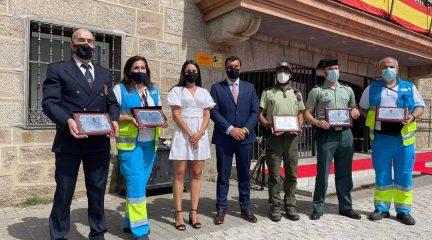 Colmenarejo recuerda a las víctimas de la pandemia y reconoce el trabajo de los servicios de seguridad y emergencia, empresas y voluntarios