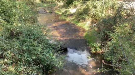 El Boalo recupera el caudal ecológico del río Samburiel 48 horas después de denunciar que no se habían hecho las aperturas en el embalse de Navacerrada
