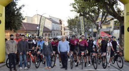 Cerca de 300 cicloturistas participan en la tercera XCorial Xtreme, que este año homenajeaba a Lale Cubino