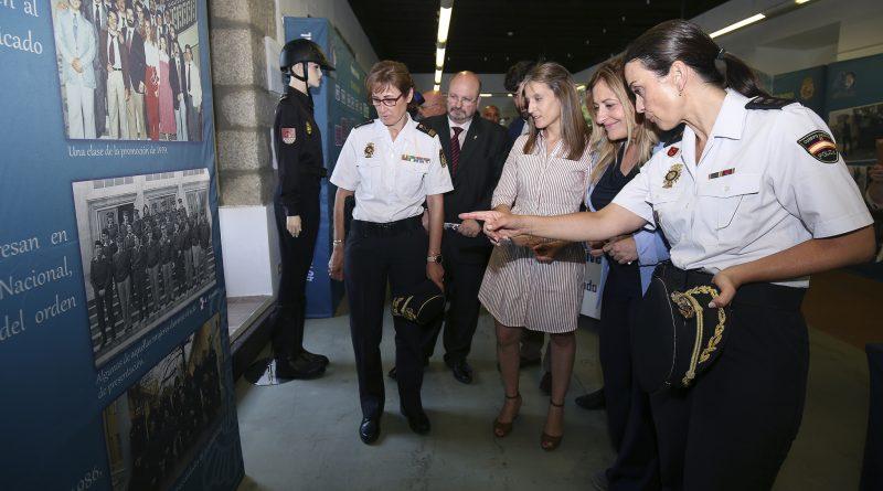 40 años mujer policia 5