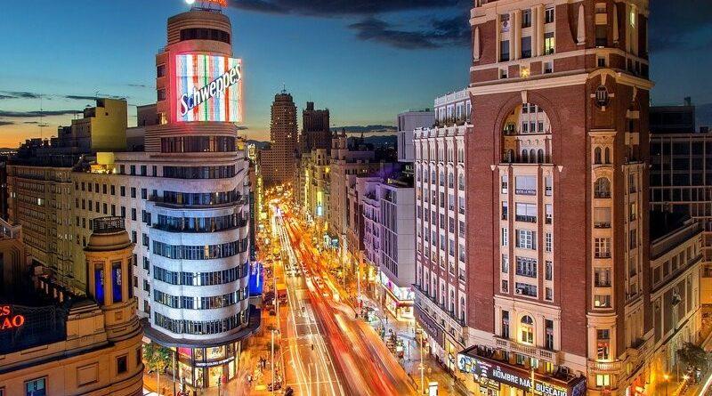 madrid edificio metropolis